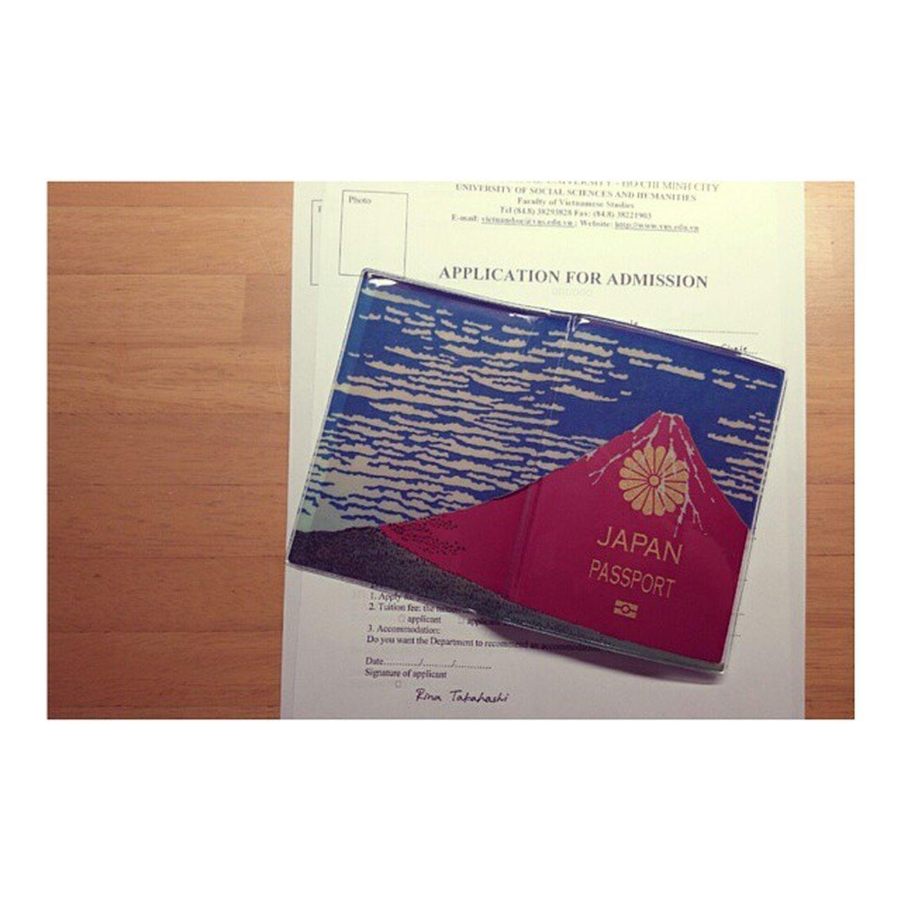 Application 書き終わった✔ あとは出願するのみ...! 留学 ベトナム パスポート パスポートケース Akafuji Japan Passport Vietnam Studyabroad Hochiminh VNU USSH Collegelife