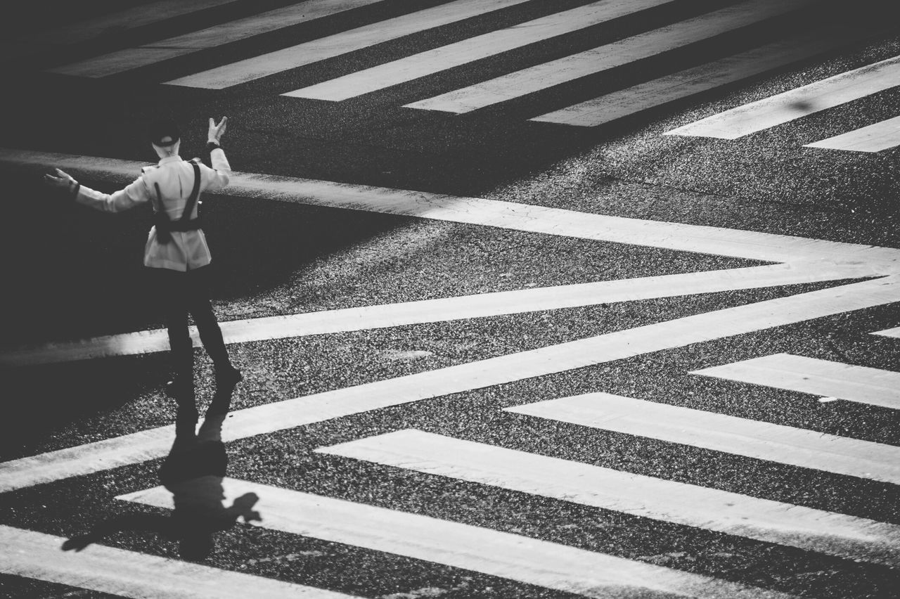 Shades Of Grey Zebra Crossing Street Photography Streetphotography Photojournalism Traffic Police  Learn & Shoot: Single Light Source Capture The Moment