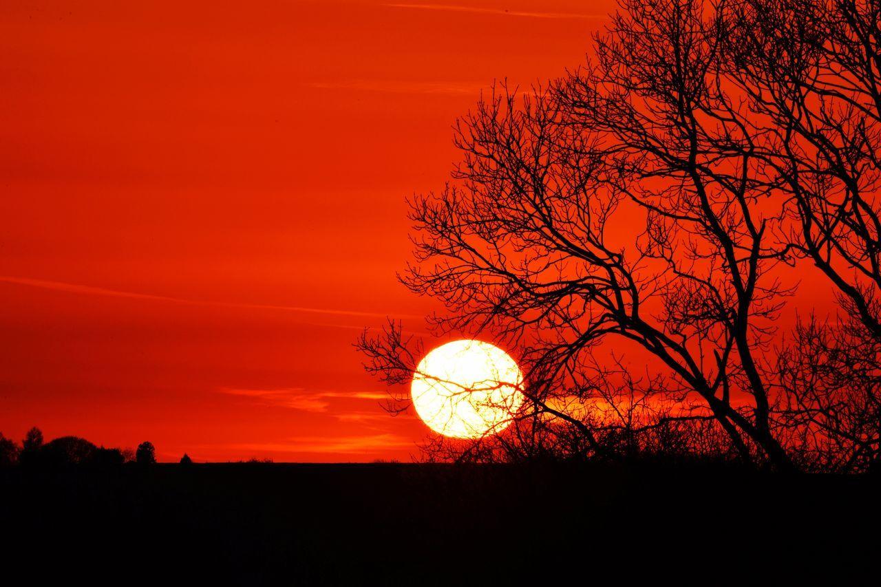Sunset in Northamptonshire, U.K. Sun Sunset Evening Northamptonshire Northants Uk