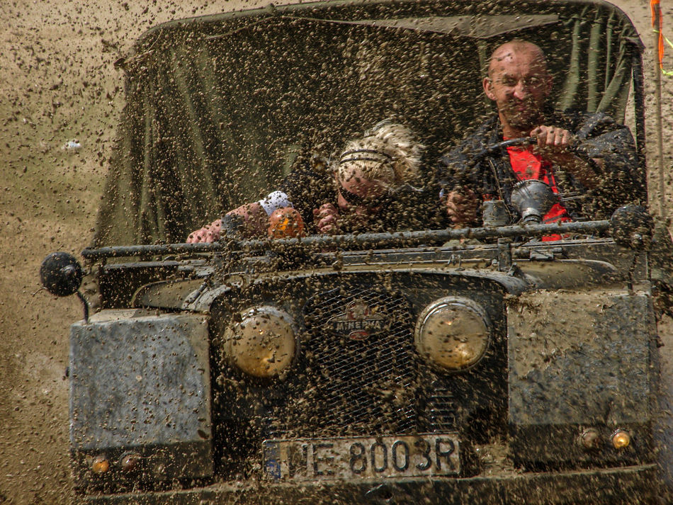 Close-up Day Dirty Land Rover Messy Minerva Mud Off Road Off Roading Offroad Offroading Outdoors Water New Talent