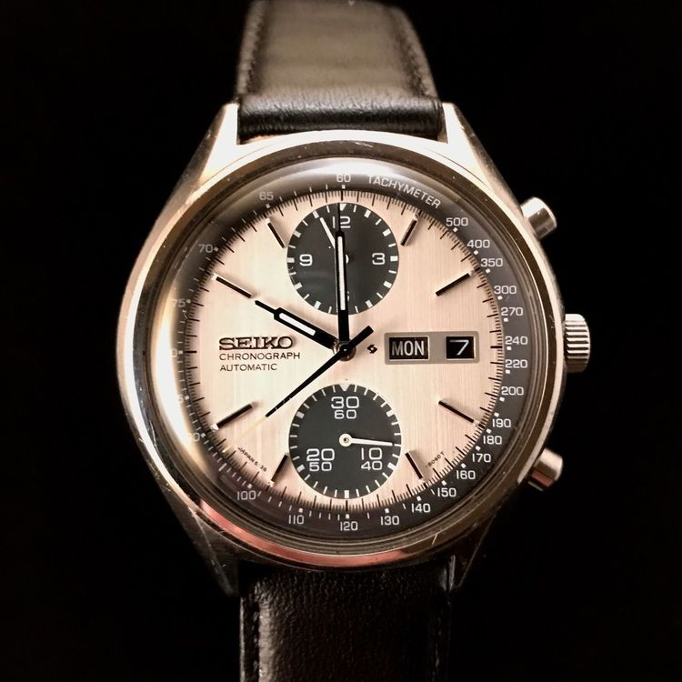 Seiko 6138-8020 Chronograph called Panda Seiko Panda Seikowatch Accuracy Number Time Clock Instrument Of Time Close-up Black Background Antique Old-fashioned Gear No People Minute Hand Technology Clock Face Clockworks