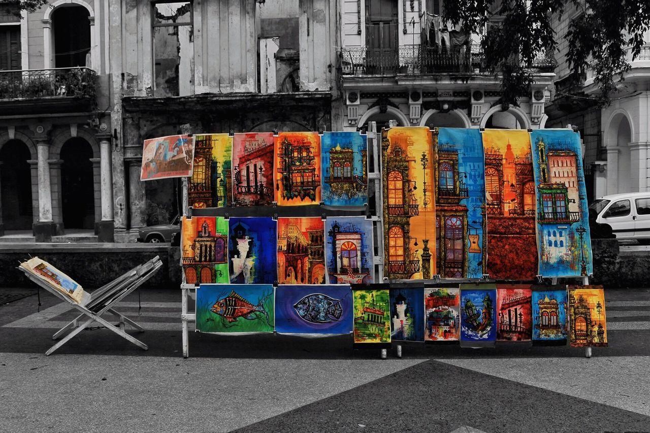 A mí Cuba, sus calles y su malecón me robaron el corazón! ❤️😍🇨🇺📸🌴 Amateurphotography Outdoors Mexicanphotographer Havana Havanna, Cuba Habana Vieja Cuba Cuba Collection Art ArtWork Architecture Travel Destinations Built Structure City Multi Colored No People
