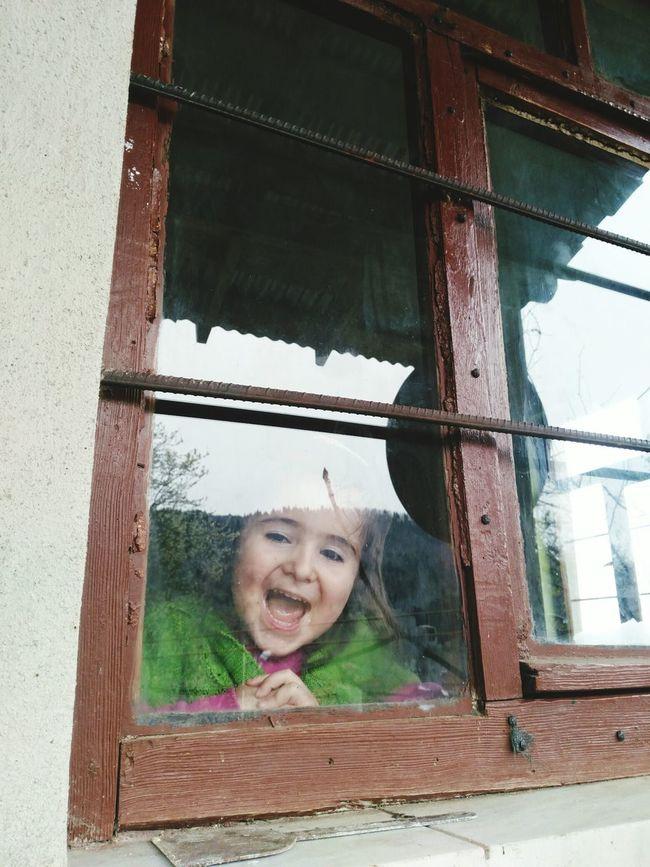 Pencereönü Pencere Kizim Elifim Evlatcandir Kizevlat