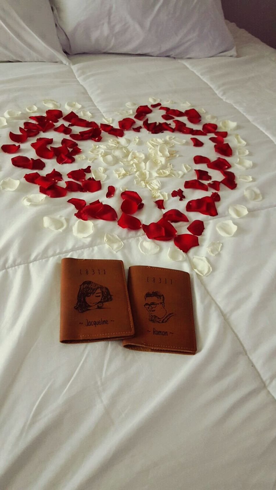 Heart ❤ Bedroom Flower Bed Love Sweetlove Heart Shape Couplegoals