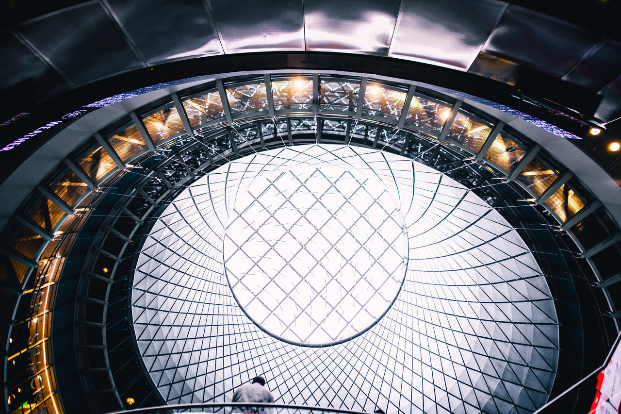 IRIS Architectural Feature Architecture Architecture Architecture_collection Blue Building Atrium Building Exterior Check This Out Circle Explore Exploring EyeEm EyeEm Best Edits EyeEm Best Shots Future Futuristic Geometric Geometric Shape Illuminated Indoors  People Shapes Size Technology Yellow