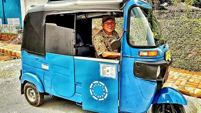 Bajaj. Taking Photos Hello World Check This Out Enjoying Life Transportation Old Traditional INDONESIA EyeEm Best Shots EyeEm Gallery EyeEm Bajaj EyeEmBestPics Eyeemphotography