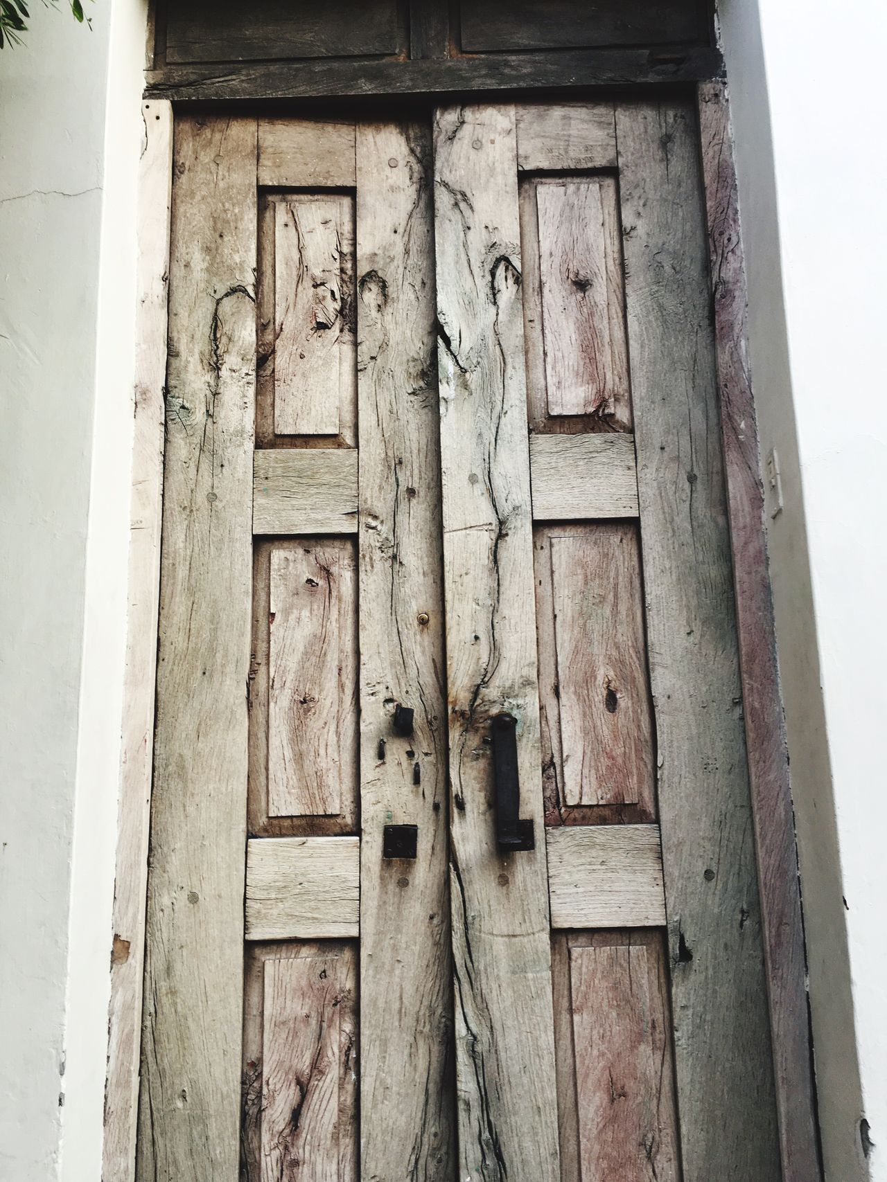 Door Wood - Material No People Day Outdoors Built Structure Architecture Close-up Building Exterior Disfrutando De La Vida Tranquility IPhone