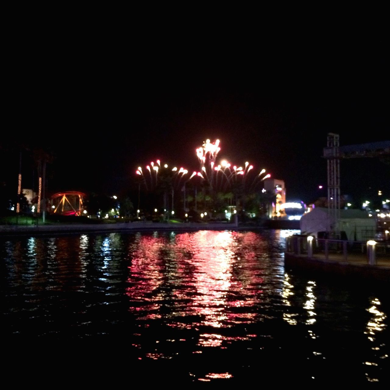 Great Performance Universal Fireworks Hello World Orlando Florida Journey Background Point Of View Water Loving Life! Light It Up A Spark In The Sky Hanging Out Good Times Beautiful Day Taking Photos Outdoors End Of The Day No People