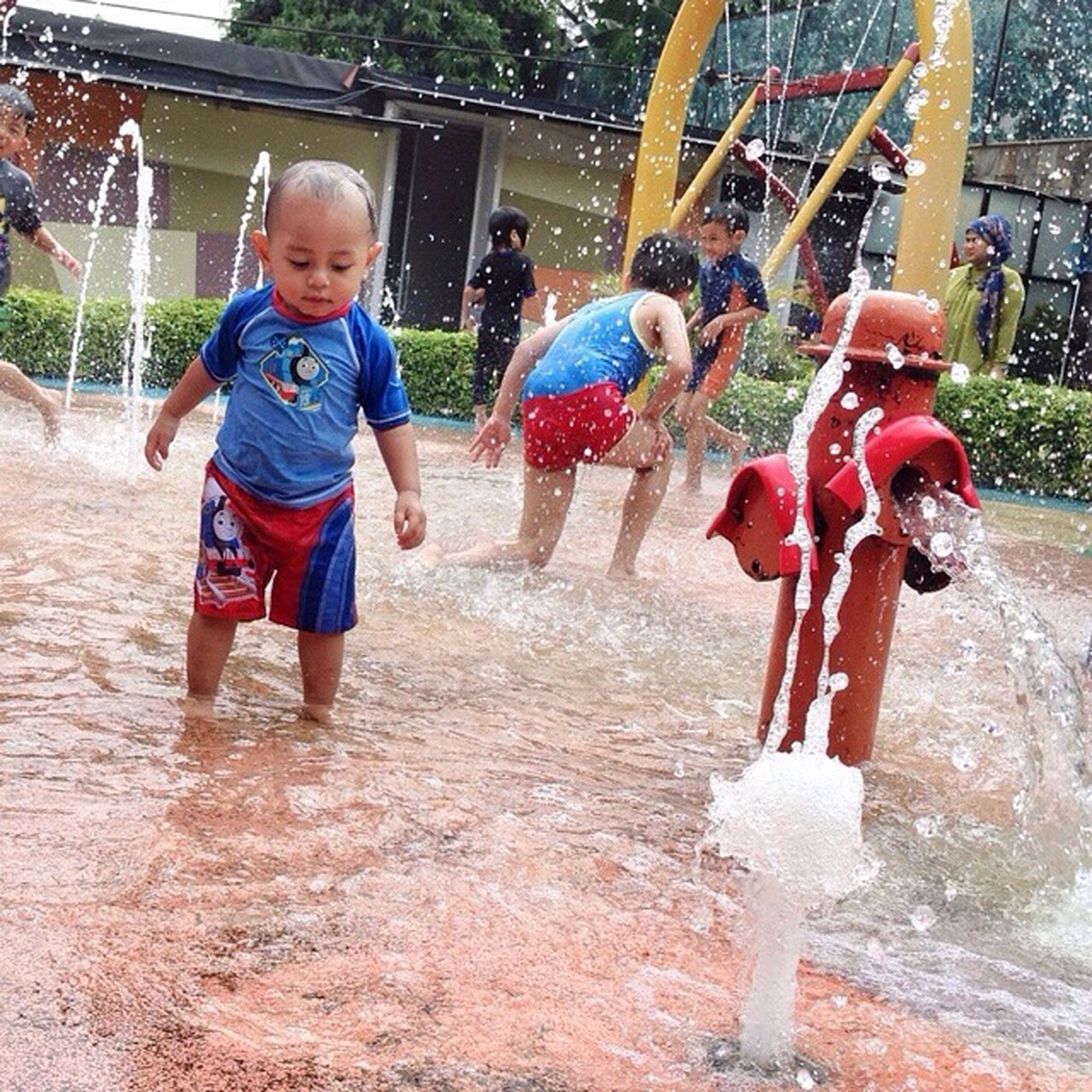 childhood, boys, girls, elementary age, full length, lifestyles, casual clothing, person, leisure activity, fun, happiness, enjoyment, playful, togetherness, innocence, playing, smiling, park - man made space