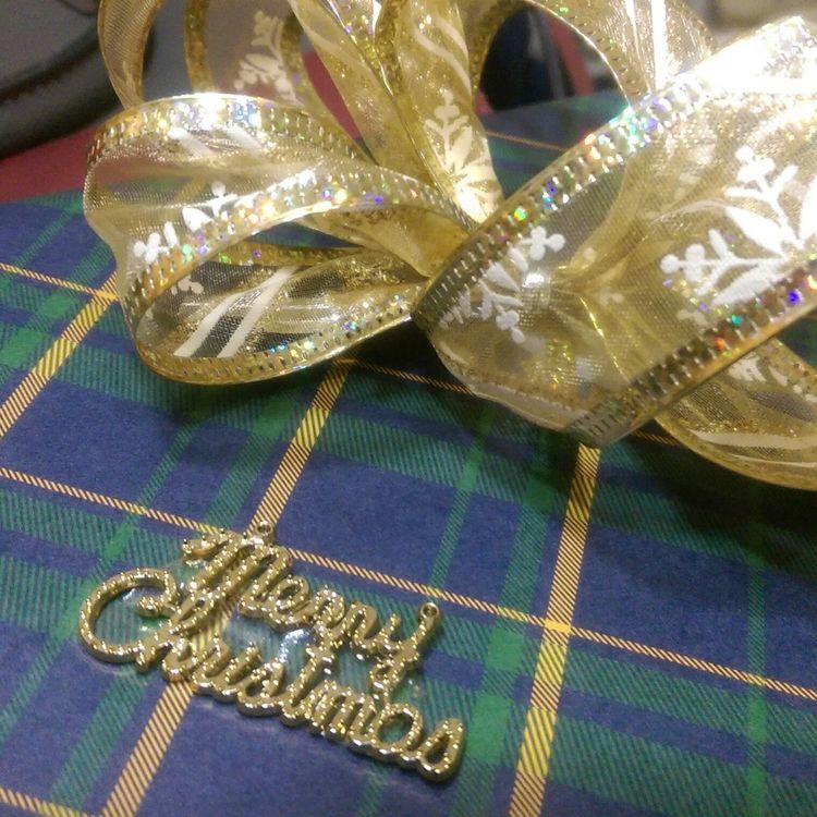 在第一次相遇的路口。之前聽你說剪片剪到眼睛痛,希望這個禮物你會喜歡。 Dearfriend Christmas Gift