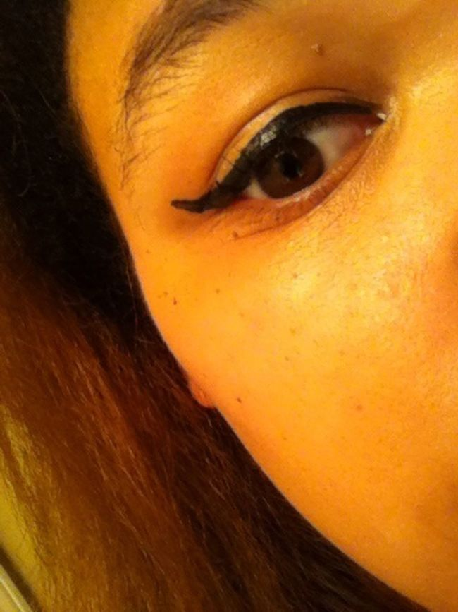 My First Attempt To Put On Eyeliner
