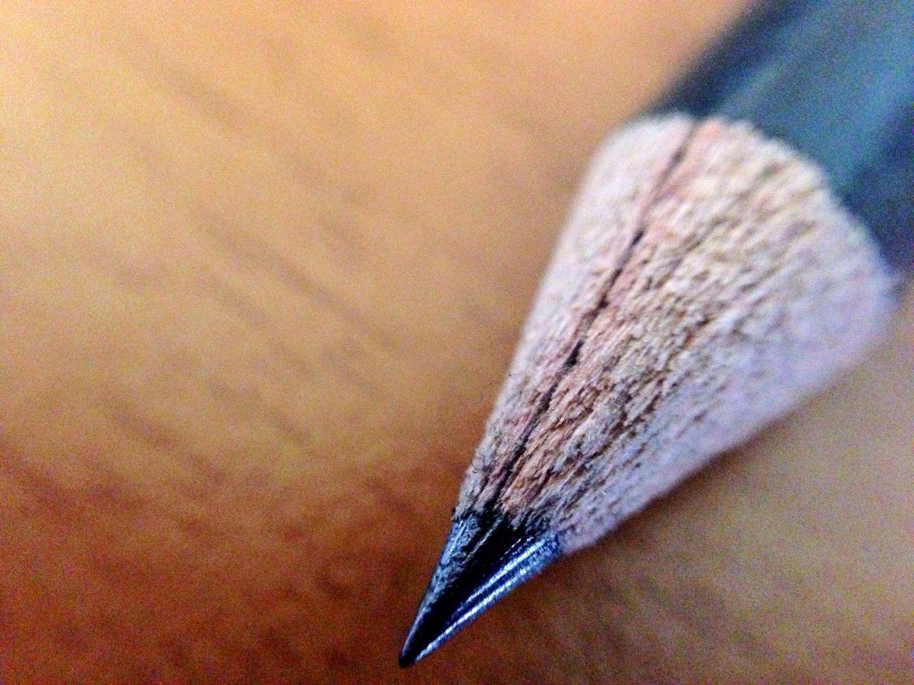 Particolare. Pencil Olloclip Shootermag AMPt_community