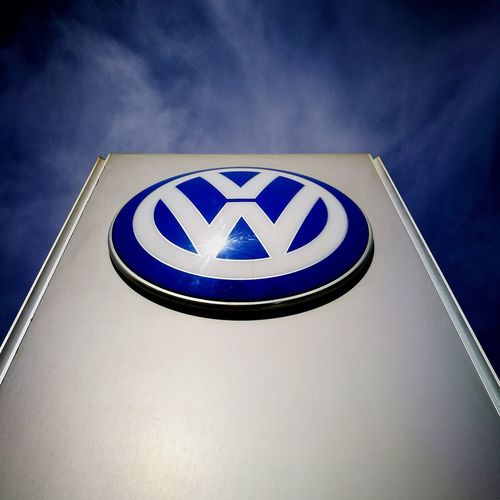 For the love of the sign Volkswagen VW Service Center Volkswagen Egypt Passat Noedit Nofilter Huaweiphotography HuaweiP9plus Leica Oo