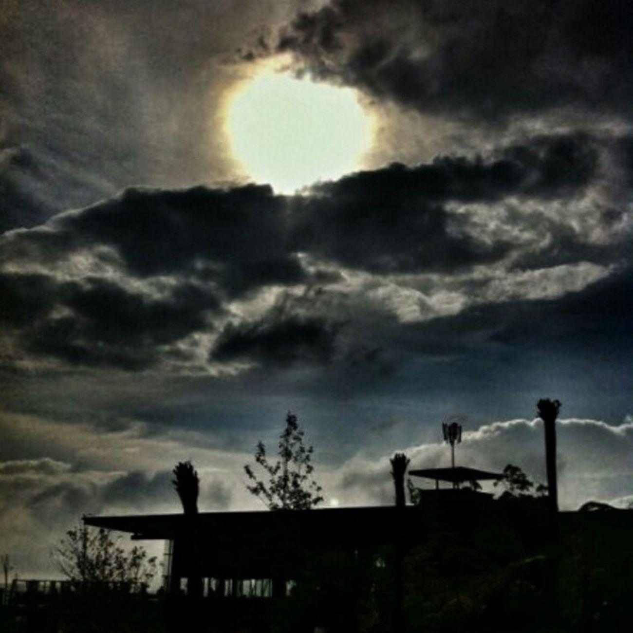 Gloomy Sun in the afternoon. Instasunda EsiaMaxPIC SunMaxPIC