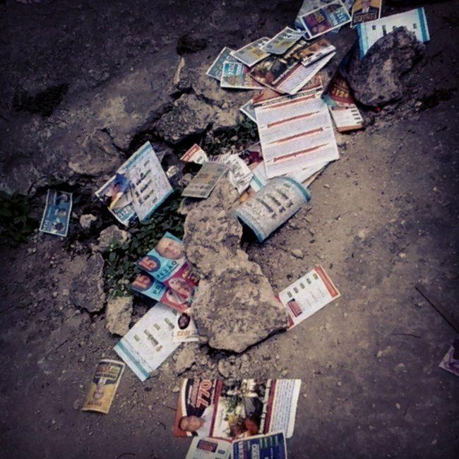 Eleições2014 Política Votar Lixo Urbano Realidade Brasil A política do Brasil é suja em todos os sentidos.