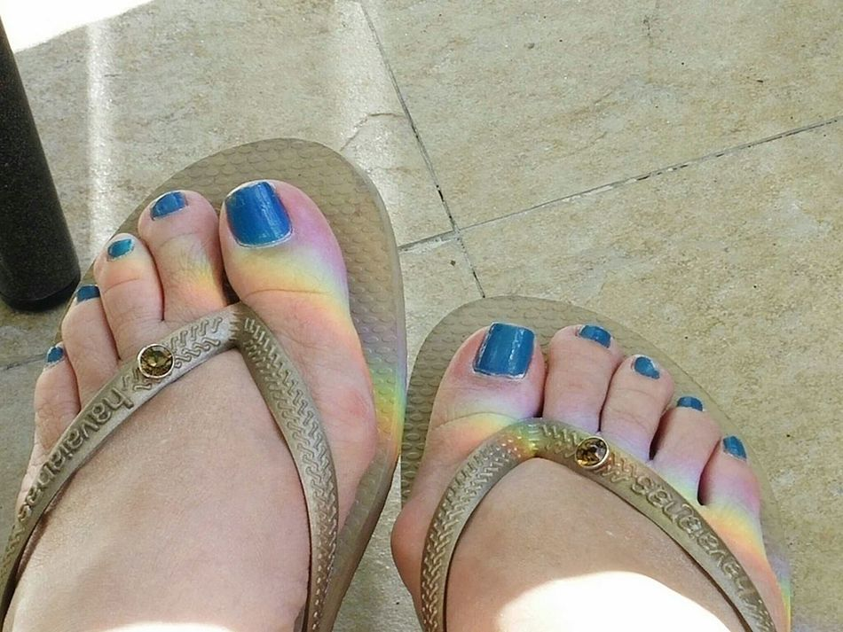 The Essence Of Summer Flip Flops Flipflops Toes Feet Prism Effect Prism Reflection Rainbow On My Feet Vacation Summer Summertime 43 Golden Moments Two Is Better Than One