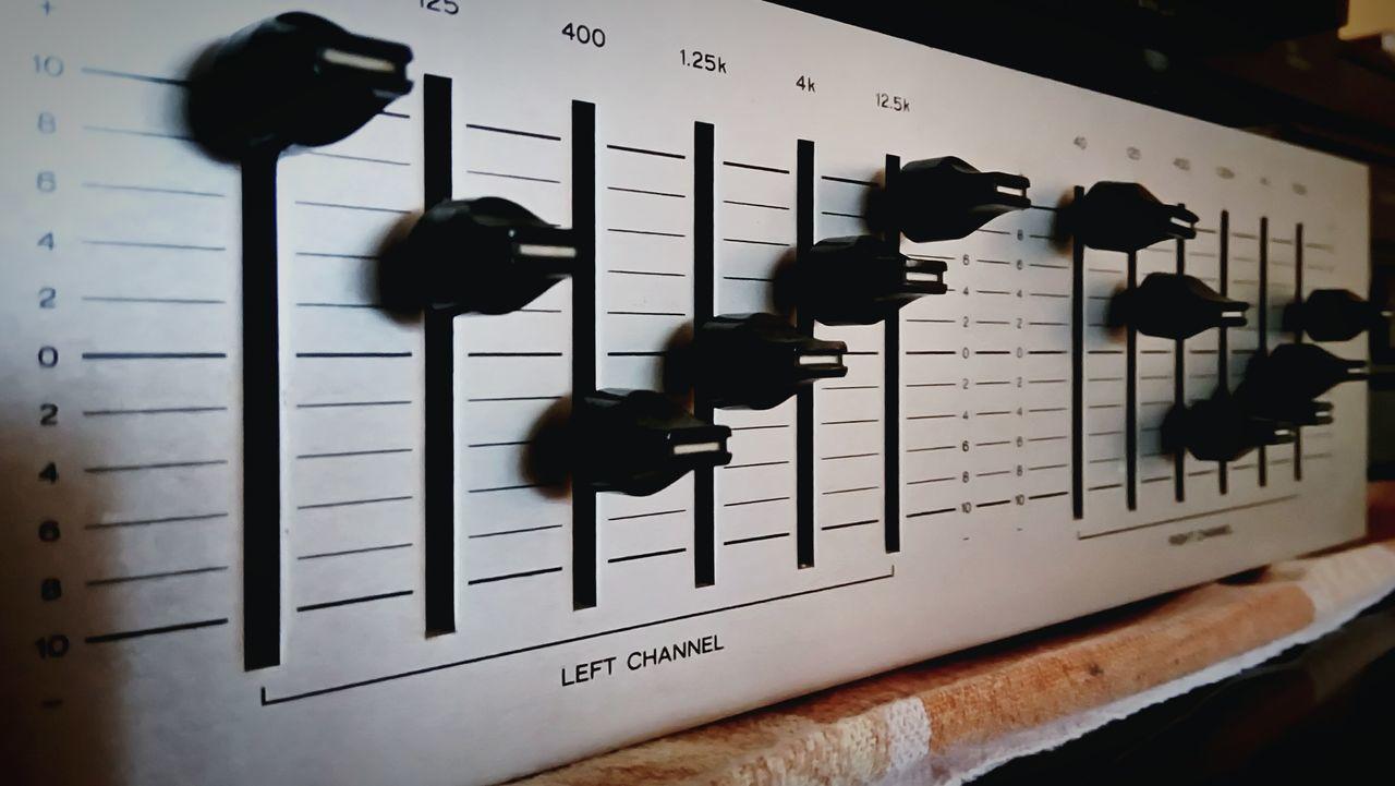 TakeoverMusic Music Equalizer Vintage Hifi Sound Sound Of Life Music Is My Life Music Is Life Soundcheck Sound System Sound Mixer