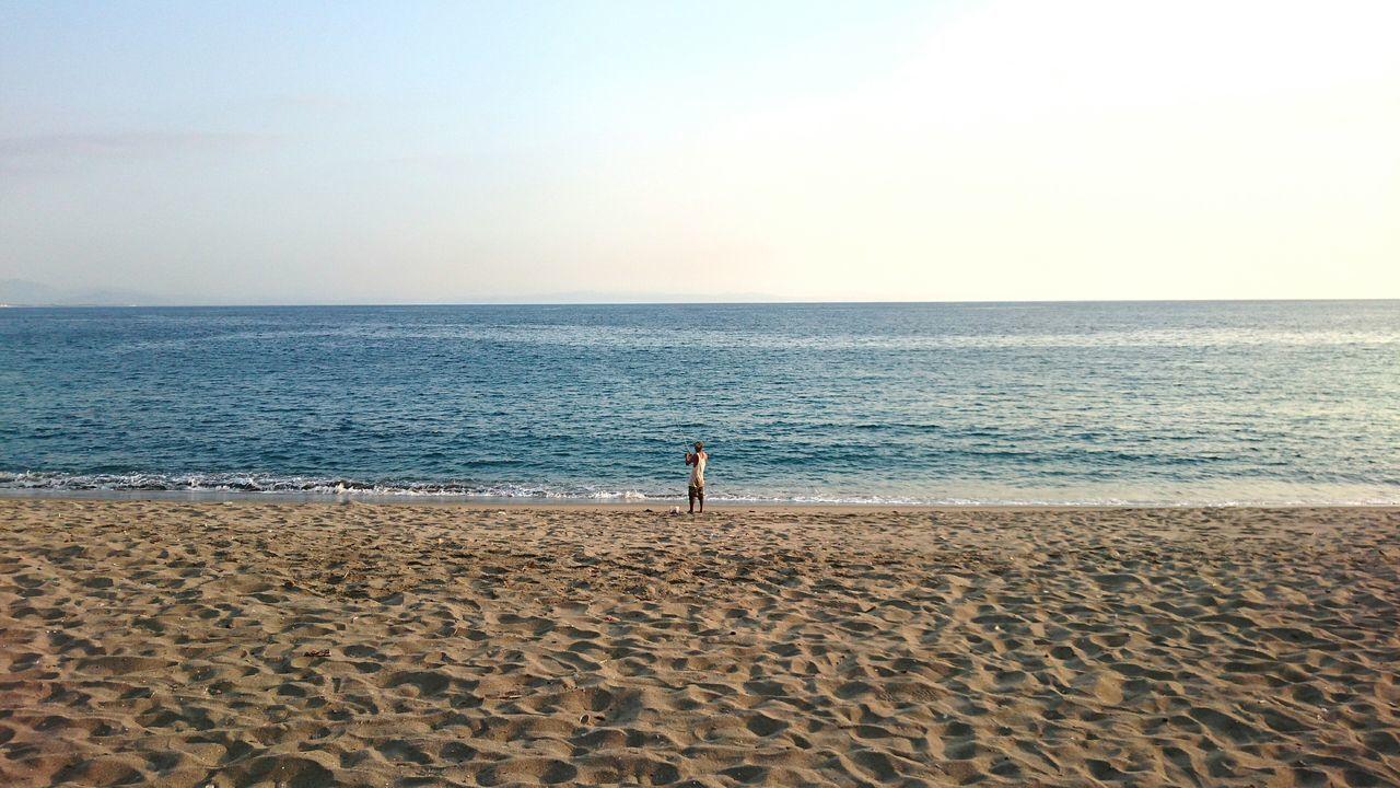 Beachphotography Fishing Fisherman Relaxing Taking Photos Sony Xperia Z3+