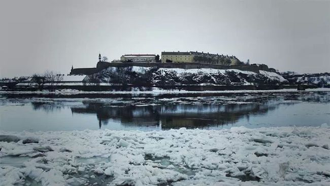 Ice Novi Sad Danube Petrovaradin