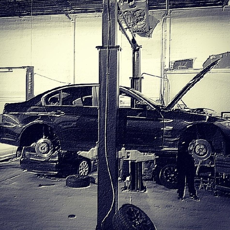 Just another day at @mncperformance getting some goodies installed. E90 Nycalive Tuninglife Mncperformance suspension jb4 jb4g5 bmw bmwrepair e90tristate e90post german euro eurolife oceanside li need_more_low needwheels wintermode
