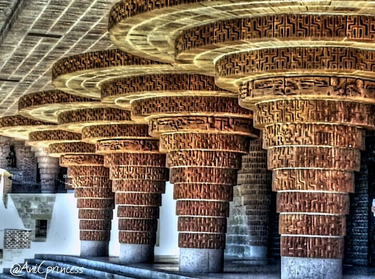 Columnas Españoles Y Sus Fotos Architecture HDR Somontano