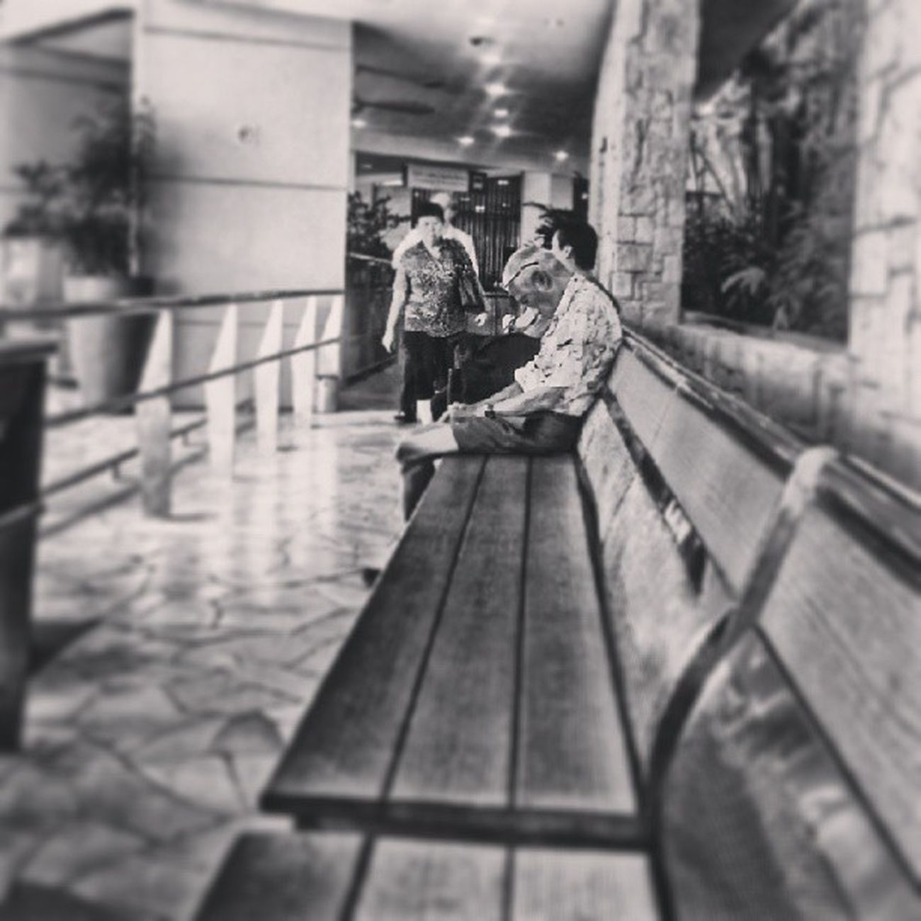 """All by myself......i wanna be...all by myself..."" Allshots_ Almaproject Artphoto_bw Bws_artist_asia Bnw_life Bnwalma Bnw_worldwide Bws_worldwide Bnw_captures Bws_streets Bnw_wonderful Bwstylesgf Bw_singapura Bnw_demand Cafe_noir Dailythemes Gf_singapore Ig_singapore Ig_street Ic_thestreets Igfotogram_4bw Jj_streetphotography Mybest_street Mybest_bw Streetstylesgf streetphoto_bw streetphotography_bw spacesintheheartlands webstagram wow_singapore"