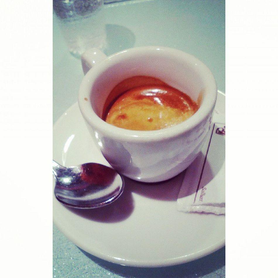 Caffè dipendente. Ilcaffèdellequattroconmamma Iltop Orastudio Stiamobene 🍵🍫❤