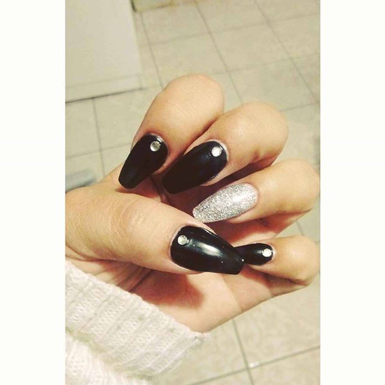 Nails Matte Blackglitter Nice 💅