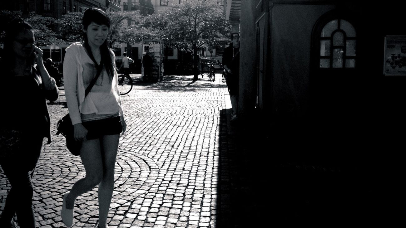 Streetphotography Streetphoto_bw AMPt_community Summer Girls Streetphotos