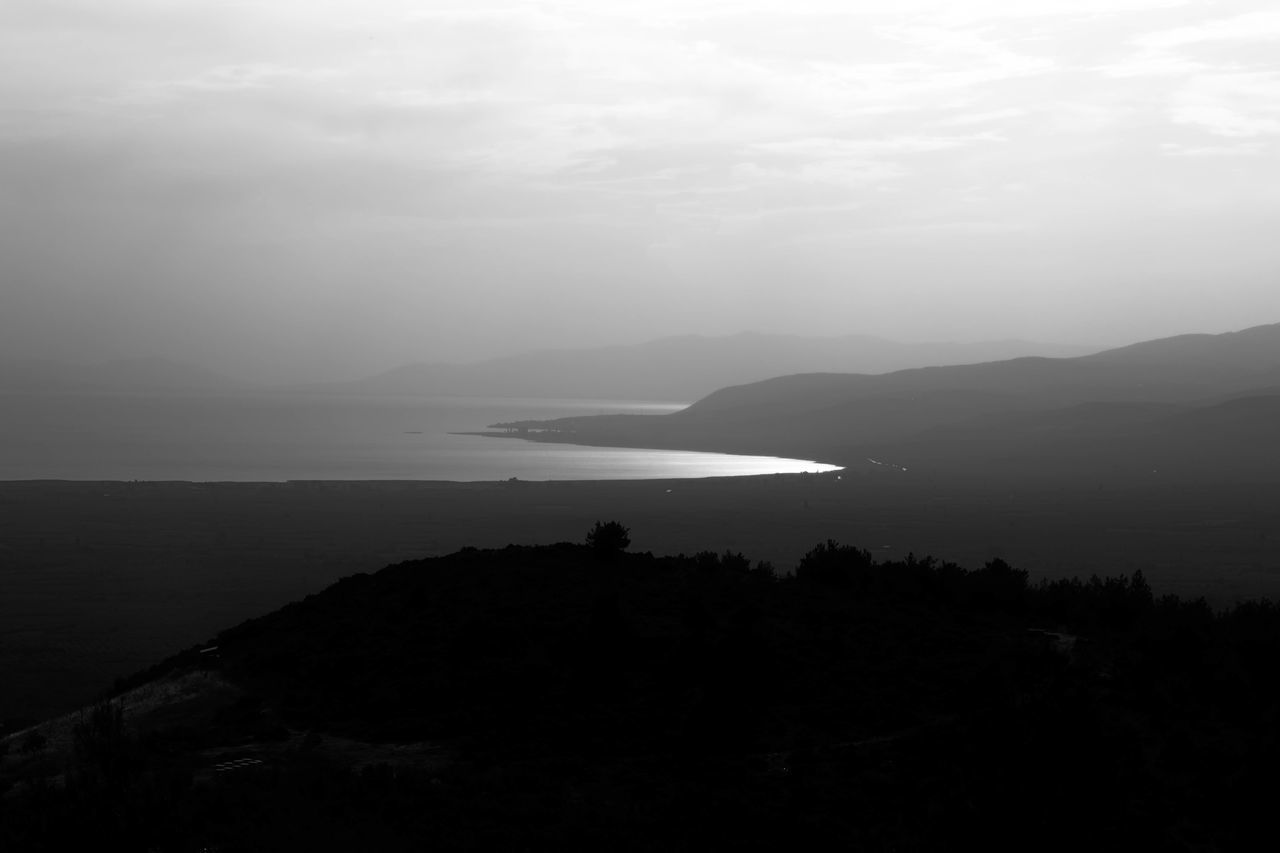 Lake Iznik Black, Lake, Landscape, Mountains, Nature, Peaceful, Salton, Sea, Serene, Swimming, Water, White Outlook, Perspective, Perception, Horizon, Skyline Serene, Tranquil, Relaxed, Calm, Quite, Vacation, Relaxation, Black & White, White, Black, Colorless, Dark, Light, Outline, Pond, Pool, Tarn, Reservoir, Slough, Lagoon, Water, Waterhole, Watering Hole, Inland Sea, Lake Sundown, Nightfall, Close Of Day, Twilight, Dusk, Evening, Sunse Turkey, Iznik, Lake Iznik, Asia, Asian, View, Outlook, Prospect, Panorama, Vista, Scene, Aspect, Perspective, Spectacle, Sight; Scenery, Landscape