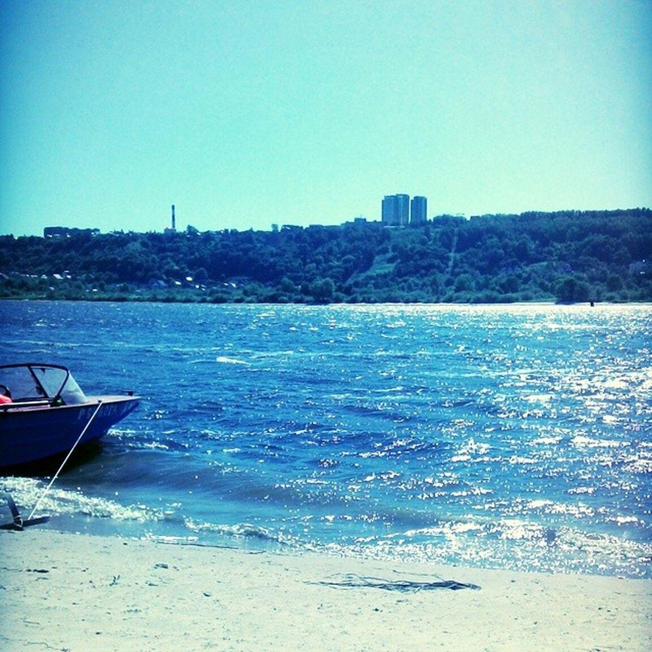 пляж катер волны брызги родныеотличнаяпогодашашлыккайф