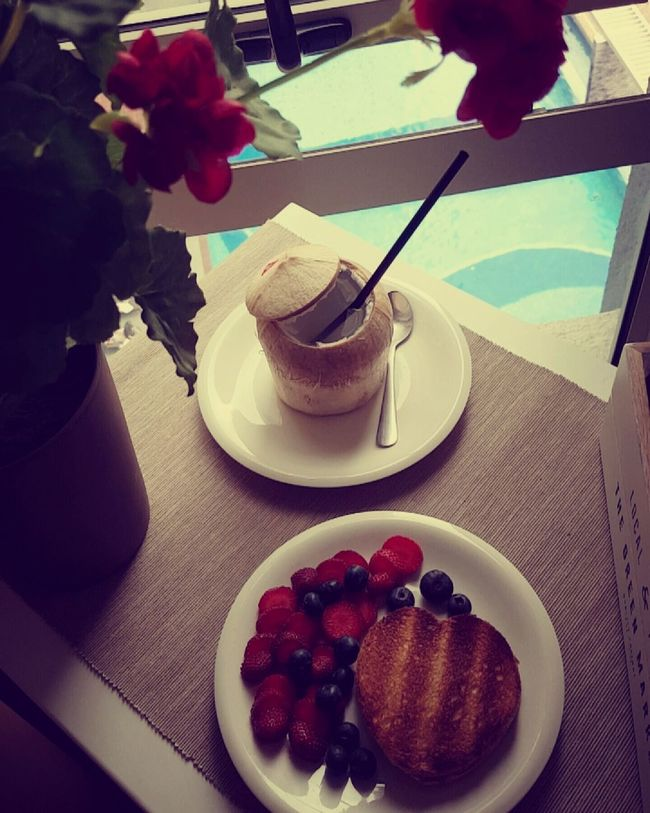 Becauseimhappy Enjoying Breakfast Food Breakfast Beautiful Day Oh Yeah! Great View Hello World Life Is Beautiful Enjoying Life Dilicious Yummy Chilling At Home Blueberry Strawberry Coconut Heartshape Bread Toast🍞 Poolview