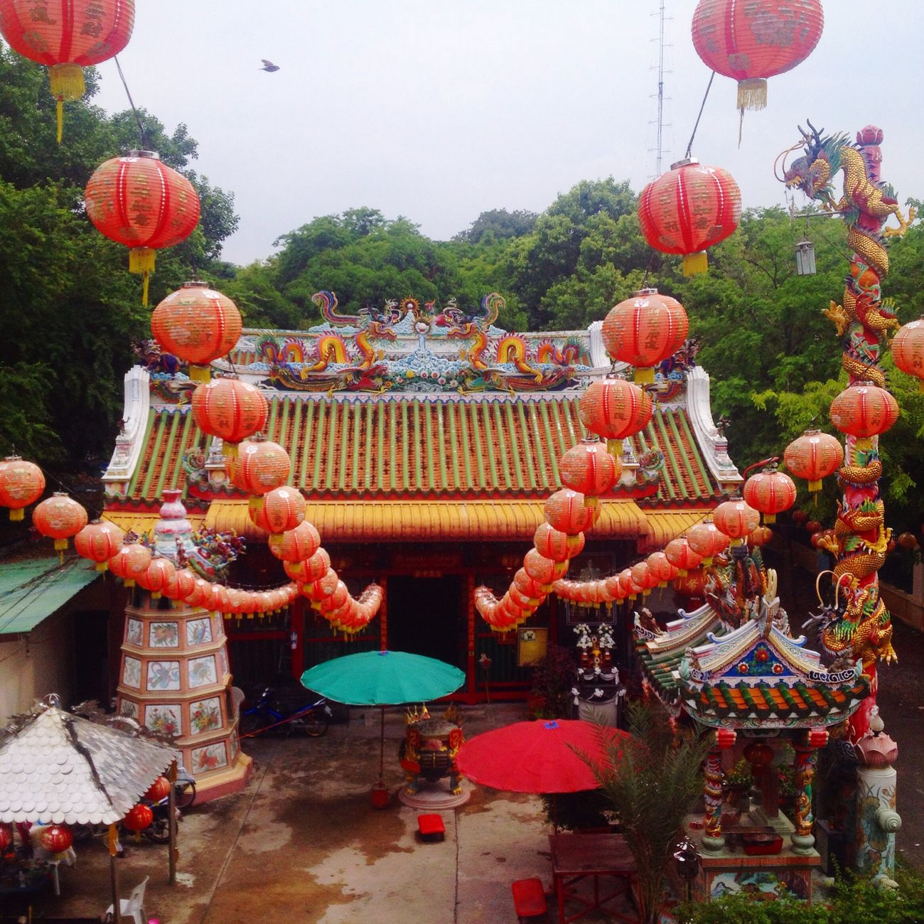 Shrine Chinese Lantern Lantern Hanging Decoration Outdoors Cultures ศาลเจ้ากวนอู
