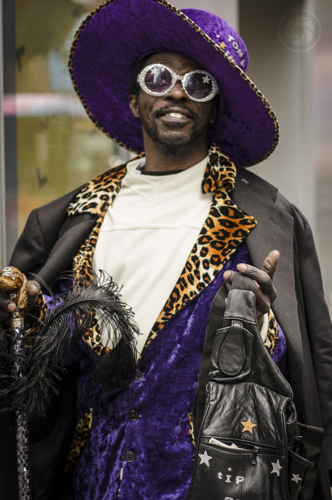 Street busker pimp in NYC Battle Of The Cities Busker Culture Human Representation New York New York City Pimp Purple The Color Of Business People