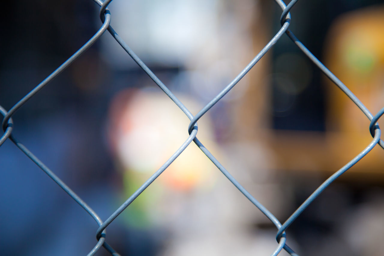 Cyclone fence background texture Background Texture Backgrounds Chainlink Fence Construction Fence Cyclone Fence Fence Focus On Foreground Full Frame Urban Background Wire Mesh Wire Mesh Fence