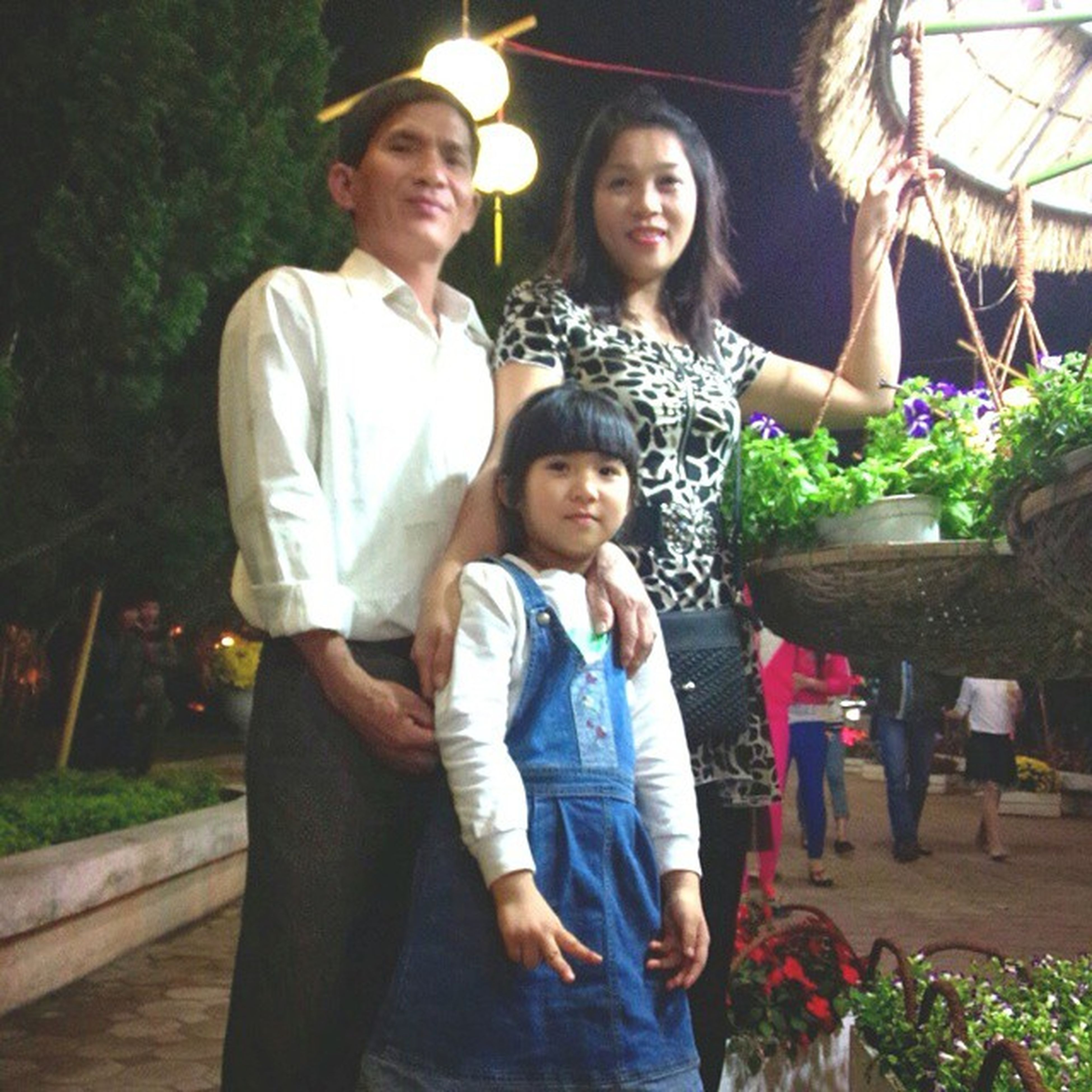 My perfect ^^ Love ya, dad mom and young sis <3 Family Fullhome Dad Mom sister forever Quangngai park tet2014 Tet 2014 miss love