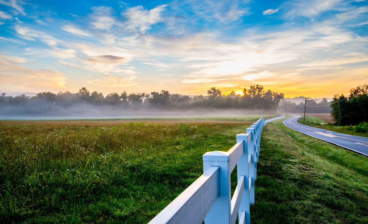 Leading lines! Beauty In Nature Cloud - Sky Country Countryside Day Fence Field Grass Growth Landscape Leading Lines Nature Nikonphotography No People Outdoors Scenics Sky Sunrise Tranquil Scene Tranquility Tree