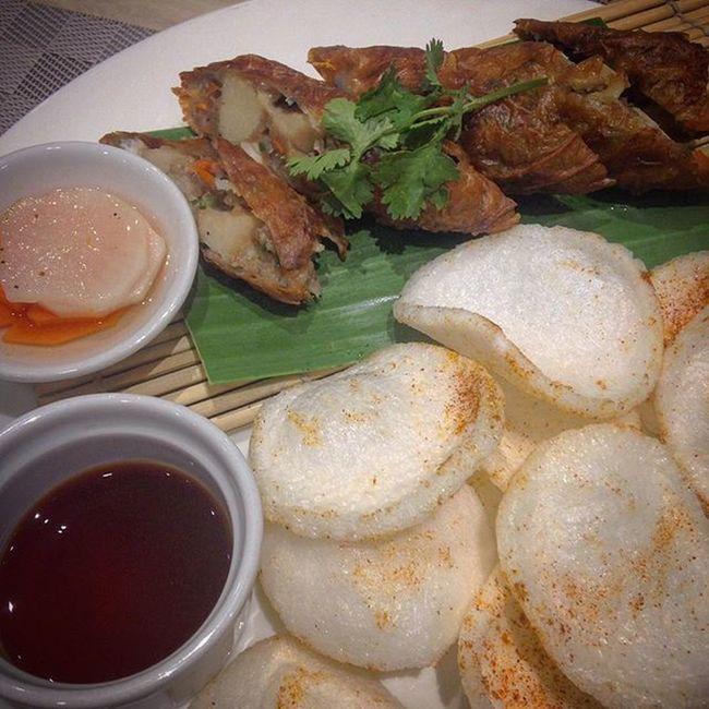 02/28/2016 Snack Snacktime Merienda Meriendatime Fivespice Fivespices Seafood Newscafe Ramadamanila Ramadamanilacentral