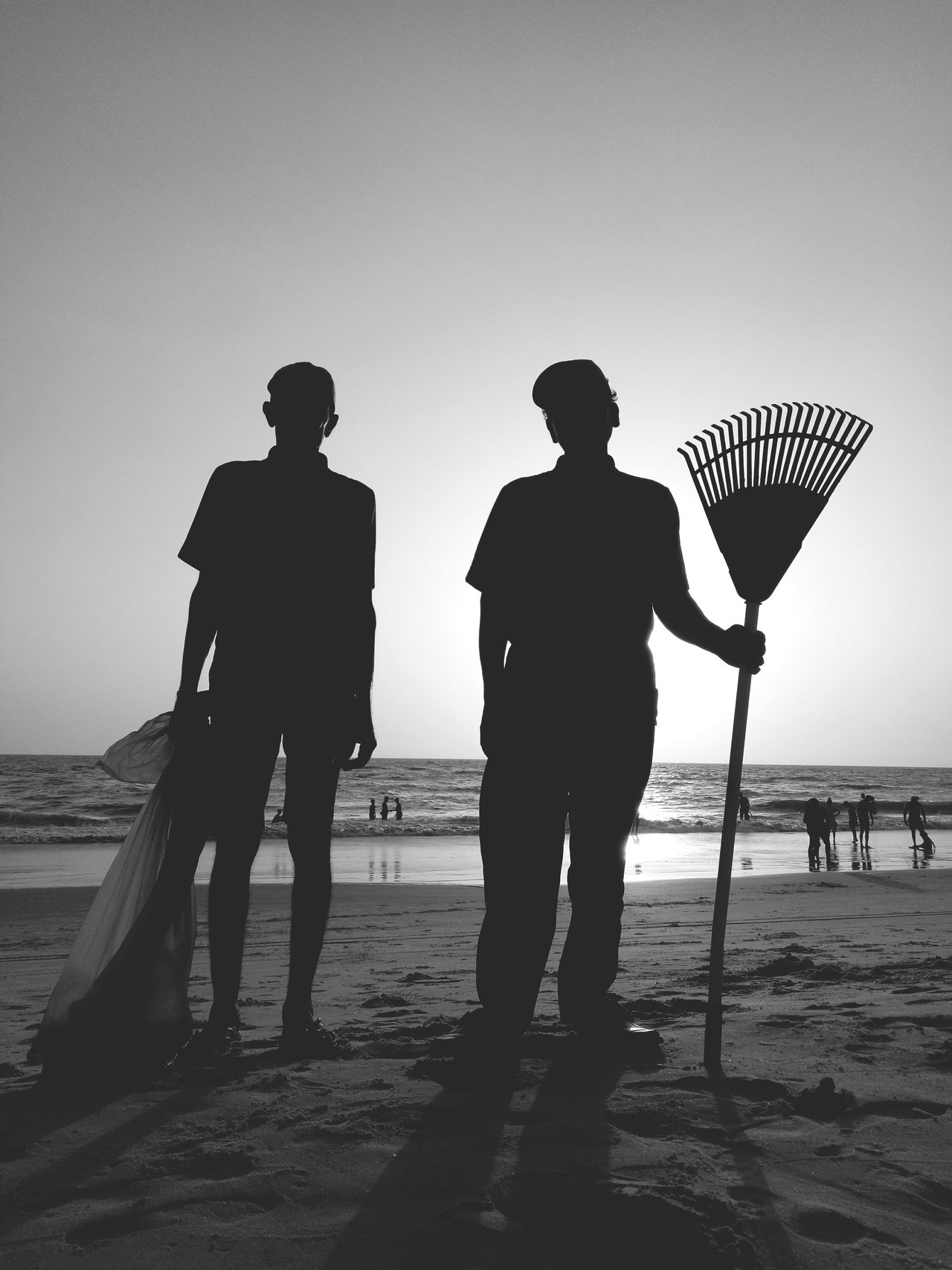 Silhouette Only Men Beach Standing Adult Men Adults Only Full Length People Sand Vacations Two People Sea Sky Outdoors Day Water Nature Travel Destinations Workeronduty Worker In Action Workeronbreak Working Out Working Hands Workplace