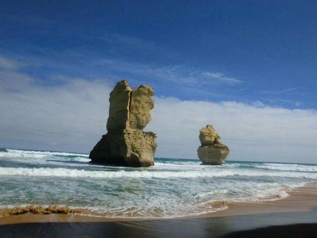 Holiday in Australia Australia Greatoceanroad Apostles Beach Ocean Holiday Stunning