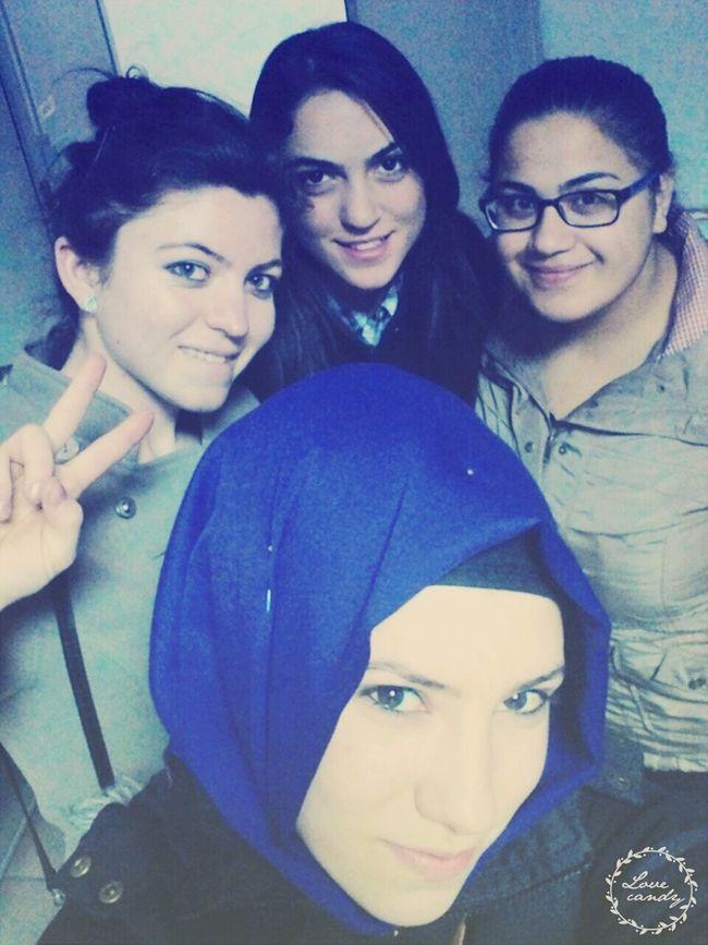 Kızlarla birlikte güzel gün