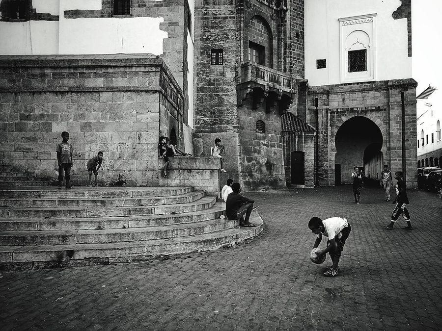 Penalty kick! Streetphotography Streetphoto_bw Blackandwhite Igers Photooftheday Picoftheday Lensculture Morocco EyeEm Gallery Monochrome Street Photography HuaweiP9 Huaweiphotography Huawei P9 Leica Leicacamera EyeEmNewHere Casablanca, Morocco Casablanca CasablancaStreets Adapted To The City People Adapted To The City EyeEmNewHere Miles Away