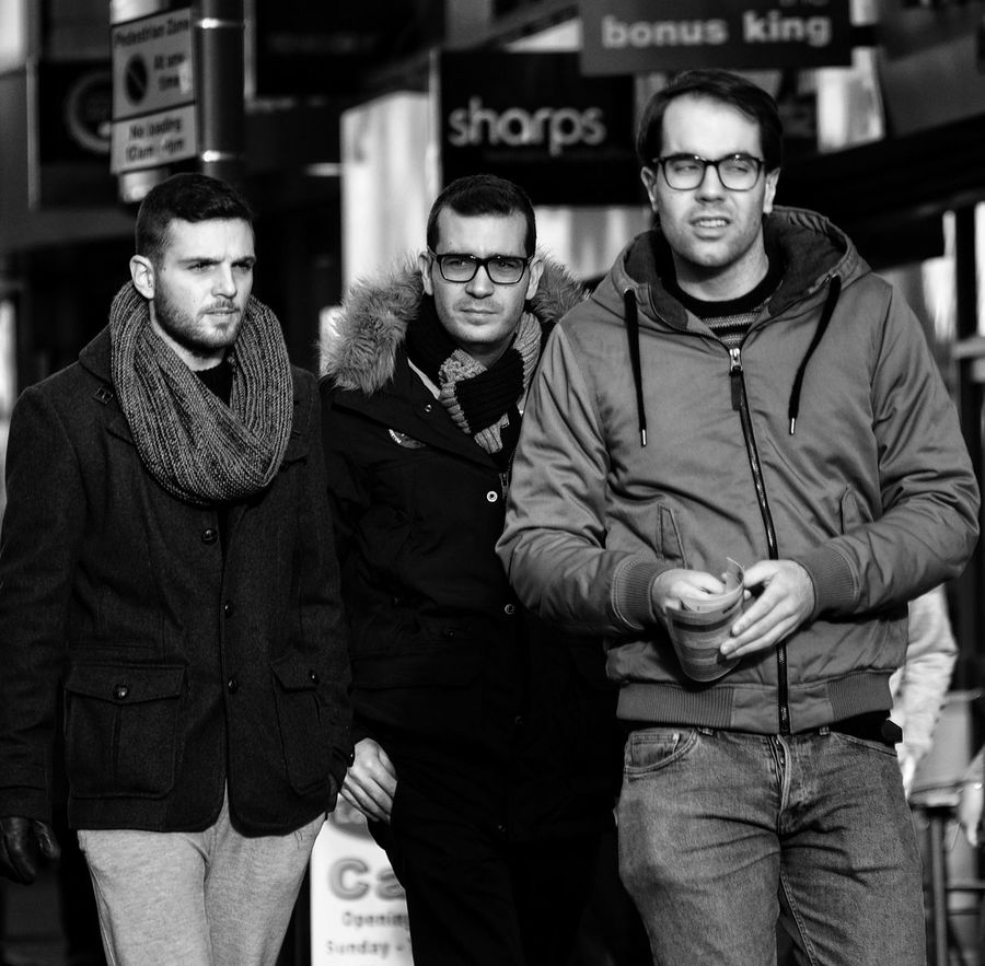 Hanging Out Taking Photos Check This Out Hello World Hi! Enjoying Life Dudes Streetphoto_bw Streetphotography Weddingphotographer FamilyBlack And White Photography Olympus OM-D E-M5 Hanging Out Shopping ♡ Merseyside Monochrome Character Portrait Scousescene Taking Photos Love Friends Olympus