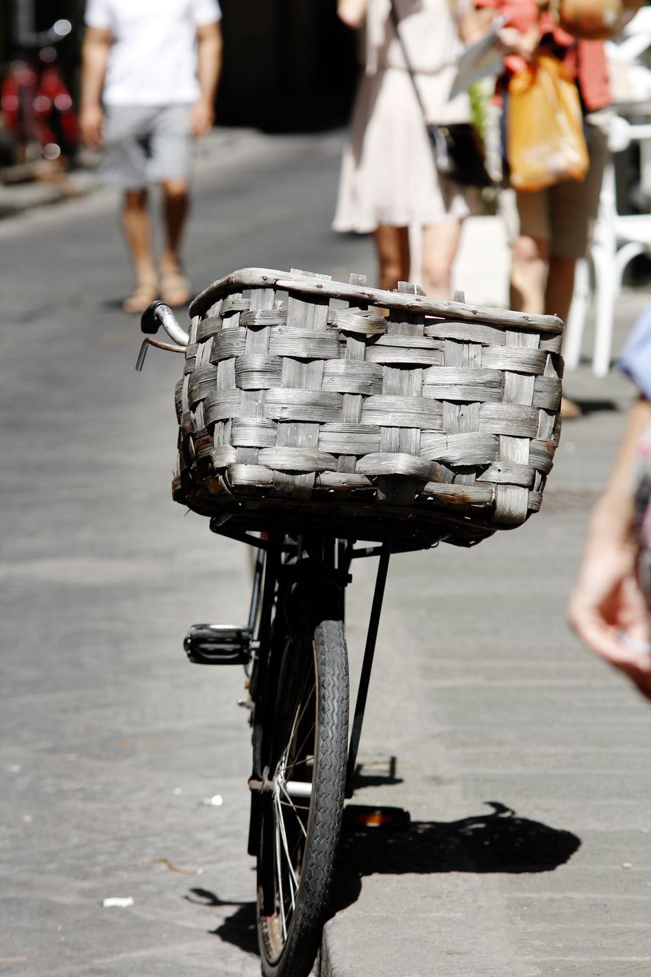 Basket Basket Bike Bike Bike With Basket Bikes Italy Italy Basket Italy Bike