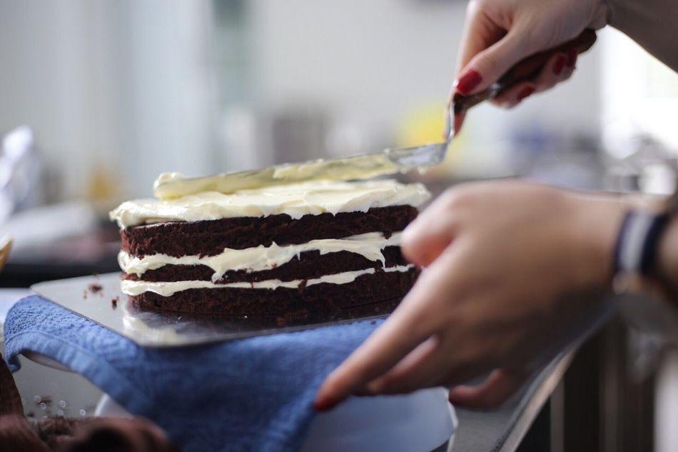 Beautiful stock photos of kuchen, Cake, Cropped, Decorating, Decorating A Cake