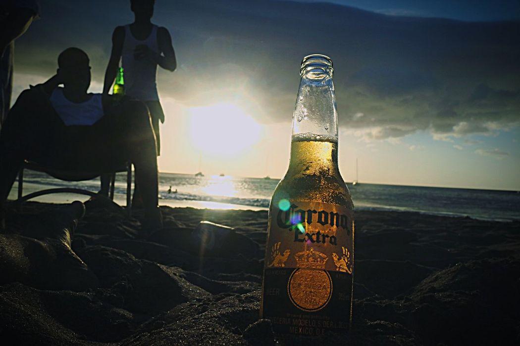 Holiday Snap.. Having a Beer Ocean Views Day Drinking Beer Corona Beer Corona Beer! Sand&sea Sunset Sunlight Relaxing Ocean Beach Caribbean Caribbean Life Holiday Holiday Trip SunBeach Sunlight ☀ Sunlight And Shadows Lens Flare Sun Beams