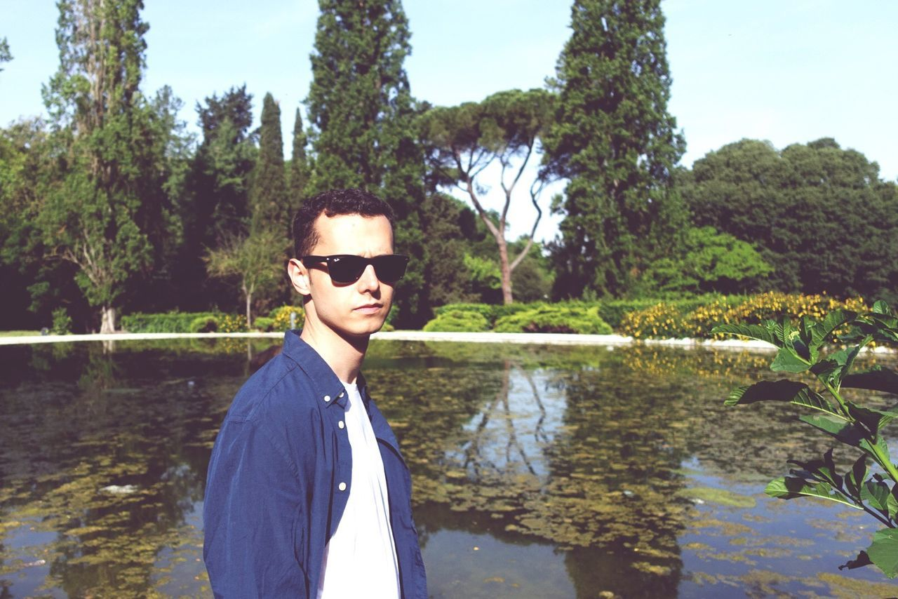 In Rome Outdoor At The Pound Water And Man Man Boy Ray Ban Blue Shirt Melancholic Vacation In Italy Pound Nature Beauty Flowers Thats Me