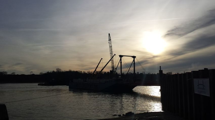 Worksite Engineering Civilengineering Newbridge pile loading test Artistic Lights Danube
