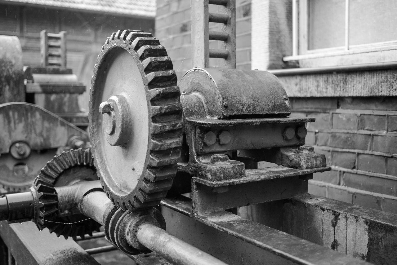 metal, machine part, machinery, industry, no people, manufacturing equipment, day, close-up, gear, outdoors, metal industry