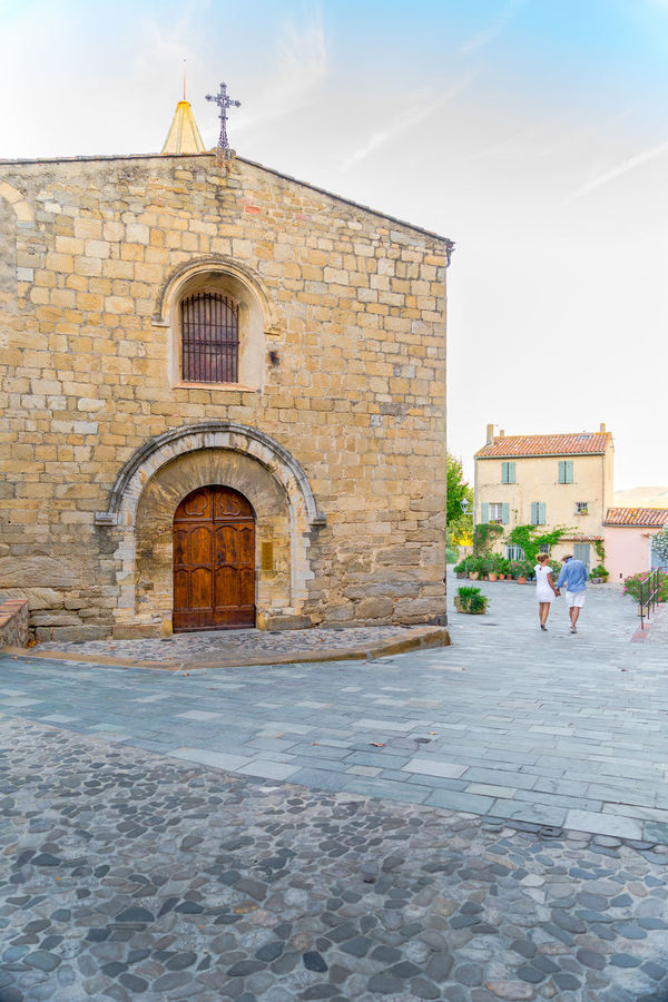 Petit village de Provence 1 Arch Architecture Building Exterior Built Structure Church Cloud - Sky Cobblestone Day Façade Footpath History In Front Of Lovers Outdoors Provence Tourism Tourist Vacations Window Enjoy The New Normal